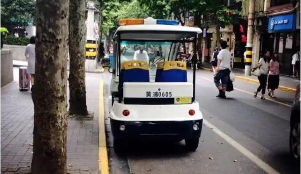 市城管执法局:四轮执法车不得在机动车道上行驶
