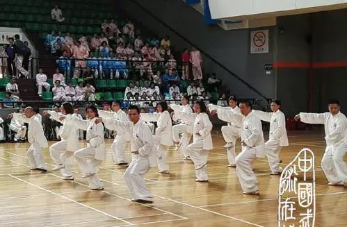 上海举办首届企事业单位武术太极拳赛