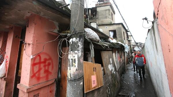 """上海市中心最大城中村面貌大变样 """"红旗""""重飞扬"""