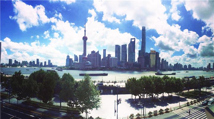 有一种蓝,叫做上海蓝!台风前的魔都天空美炸了!
