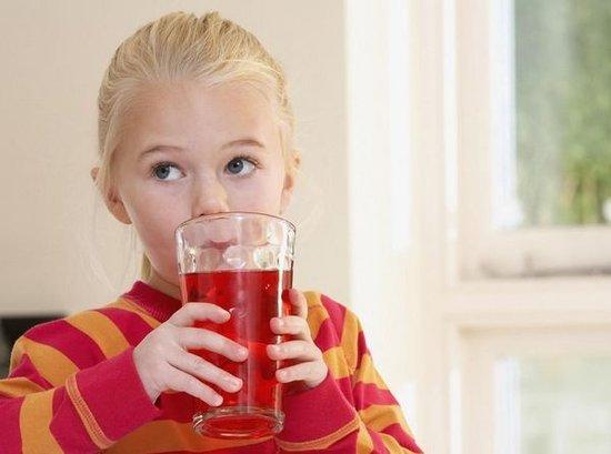 7类人群不适合夏季喝冷饮