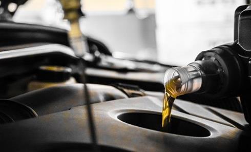 教您轻松鉴别机油变质 有酸臭味立马换