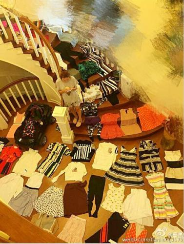 田亮自曝豪宅内景跳水王子家中不见泳池 楼梯竟然铺满了衣服