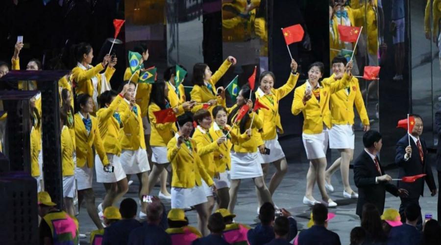 里约奥运开幕!番茄炒蛋撒了葱,中国队出场网友都喊饿!