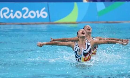 中国军团摘金夺银:跳水依旧给力 花游创最好成绩