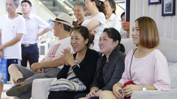 中国女排在上海有多火?老板:今天上班看决赛不扣钱