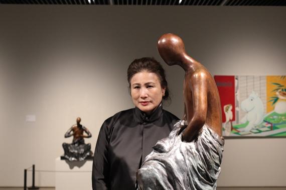 华裔铜塑艺术家吴静茹:我把中国元素融入作品