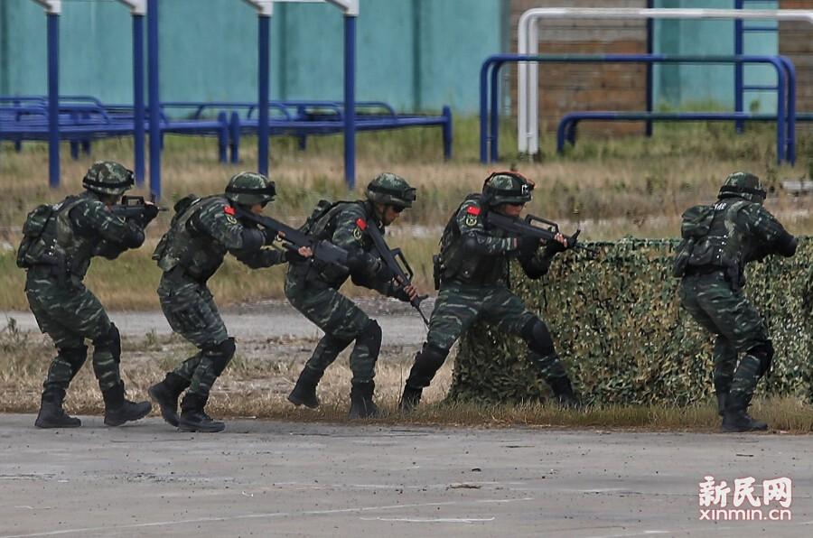 反恐演练!直升机、装甲突击车、防弹运兵车轮番登场