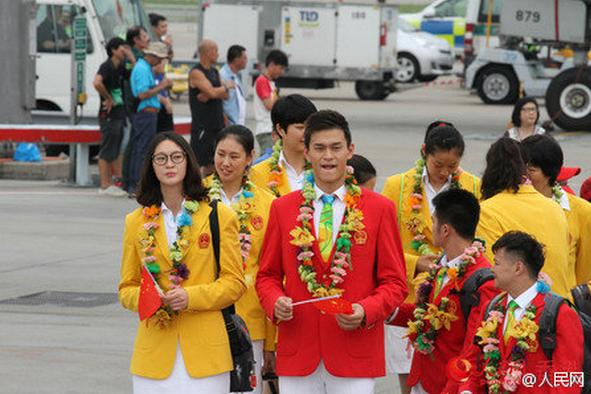奥运代表团64人抵香港 将进行表演互动