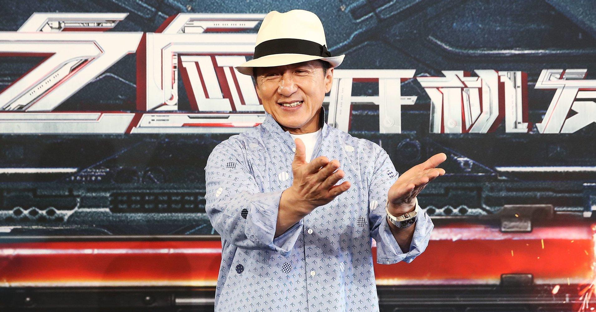 首位华人!62岁成龙获奥斯卡终身成就奖