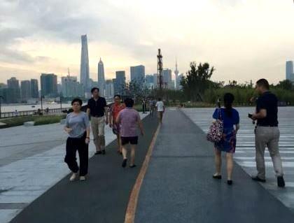 杨浦滨江示范段惊艳亮相 成市民休闲健身新去处!