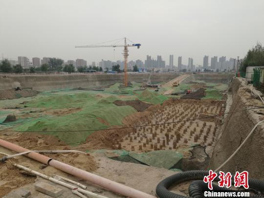 """郑州部分楼盘涉违规预售被查 仍有挖坑卖""""空楼"""""""