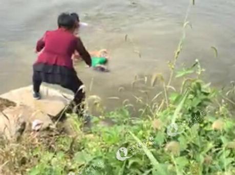 常州两儿童结伴玩耍河边出意外 不幸溺水身亡