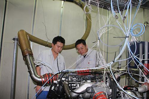 【大国工匠】(柴油机医生)鹿新弟:把发动机当成孩子