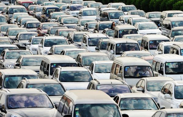 黄金周客流高峰即将到来 高速公路客运量将达6.5亿人次