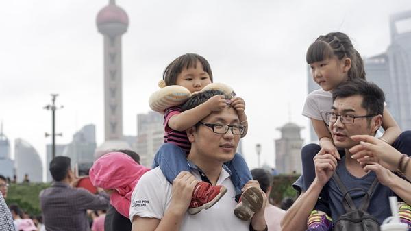 申城国庆黄金周接待游客927万人次 旅游收入91亿元