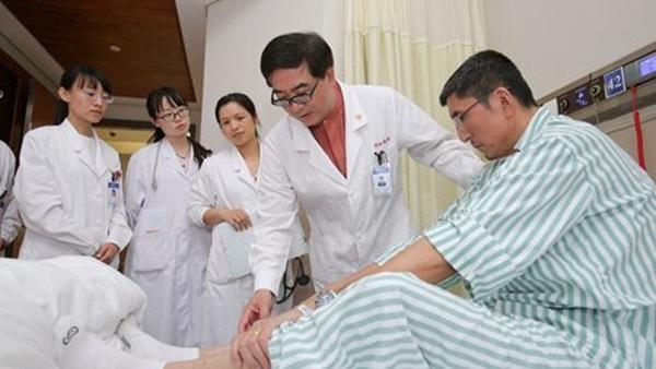 中山医院医生葛均波:不仅会看病 还总想着为病人省钱
