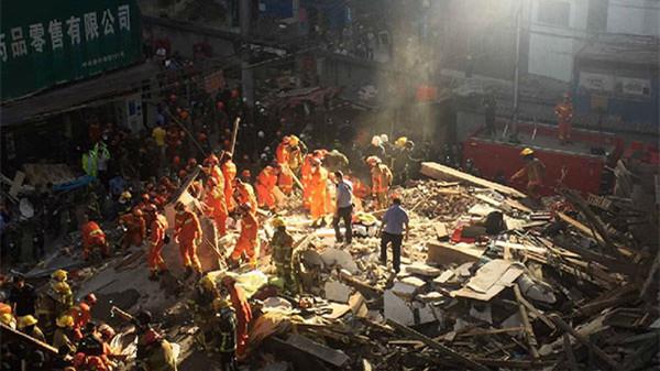 浙江温州民房倒塌已搜救出13人 8人已确认死亡