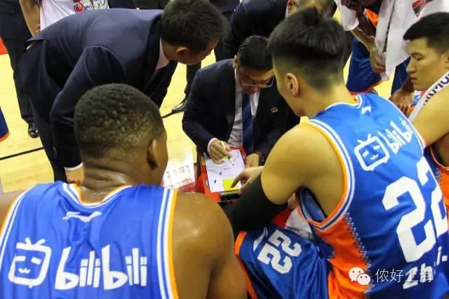 史上最萌篮球队诞生!它就是上海哔哩哔哩队!