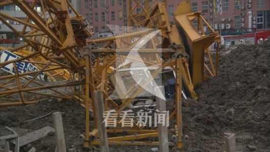 上海音乐学院零陵路校区发生工地塔吊倾覆 幸无人员伤亡