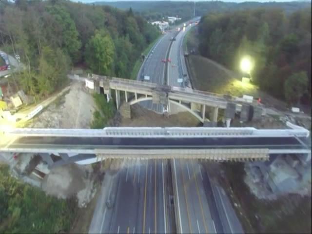 德国爆破拆80年桥 爆破后仍屹立不倒