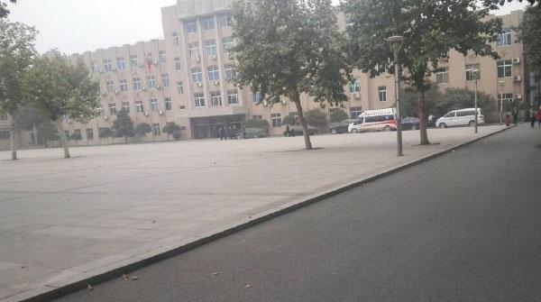 济南一中学疑似发生持刀砍人事件 嫌疑人已被警方控制