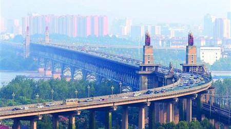 48岁南京长江大桥将封闭维修27个月