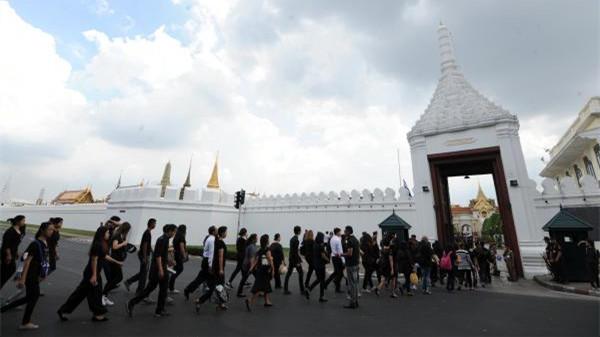 泰国旅游局:国丧期间仍欢迎中国游客