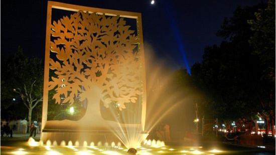 """用灯光为""""夜公园""""造景 沪酝酿制定全国首部夜公园照明标准"""