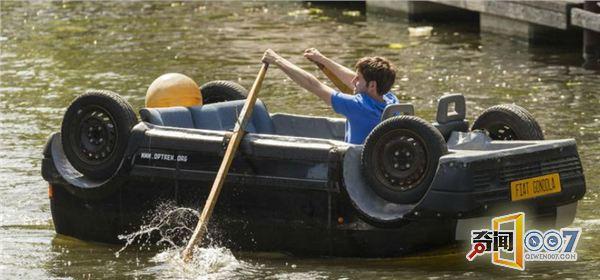 小伙自制四轮朝天汽车,能在水中自由行驶