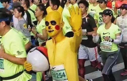 上海人民欢乐多!把马拉松比赛跑成了狂欢cos秀!