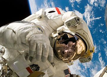 """""""太空旅游""""敲定时间表 最早2020年实现商业载人飞行"""