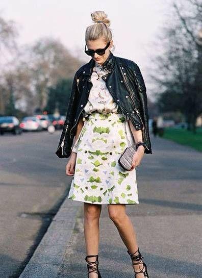 玛瑙绿的鱼尾裙和黑色皮衣这一热门的