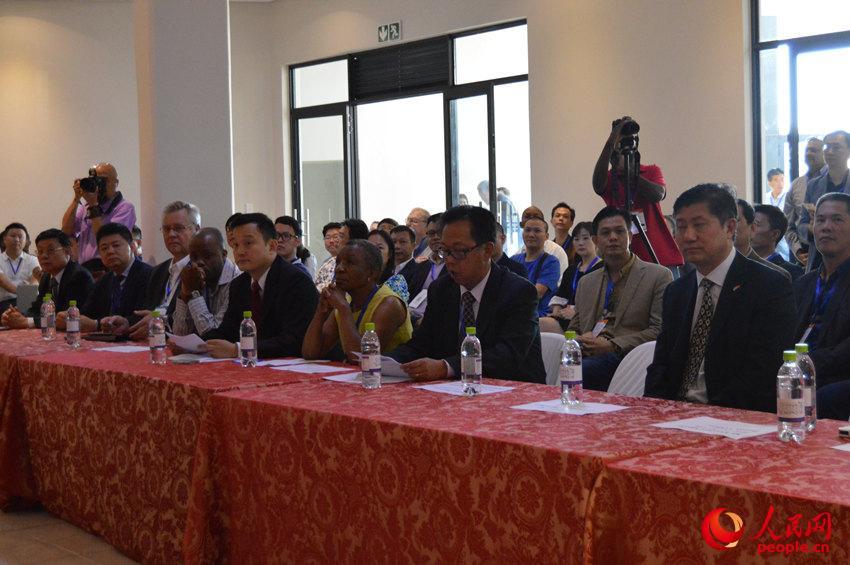 南非中国商品展开幕 为中南双方提供交流新平台