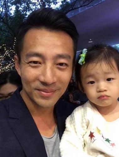 超级女儿控的汪小菲和女儿汪希玥,这五官,真是绝了。