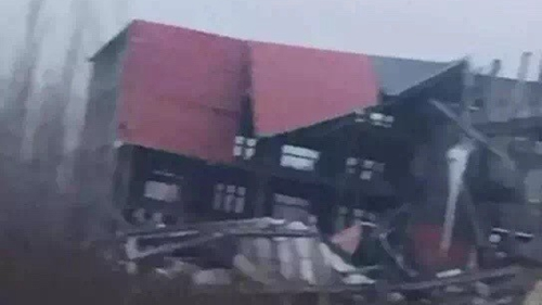 济南高新区一建筑倒塌致多人被埋 救援工作已展开
