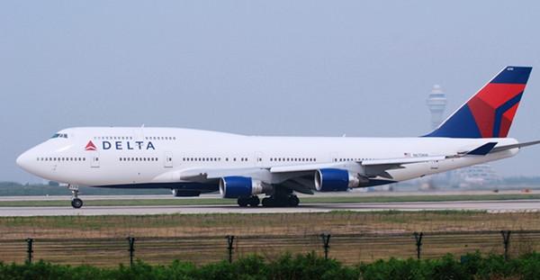 """一美客机被指在上海浦东机场""""入侵跑道"""" 民航正调查"""