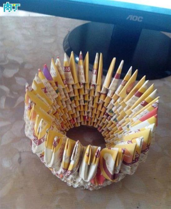 婚车丝带拉花制作方法-角插折纸花瓶的做法详细步骤图解