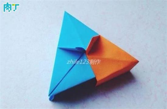 手工折纸制作带盖三角礼品盒的做法教程