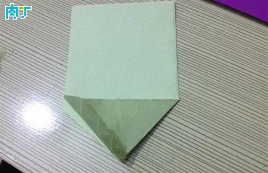 儿童简单折纸 叶子书签的折法步骤教程