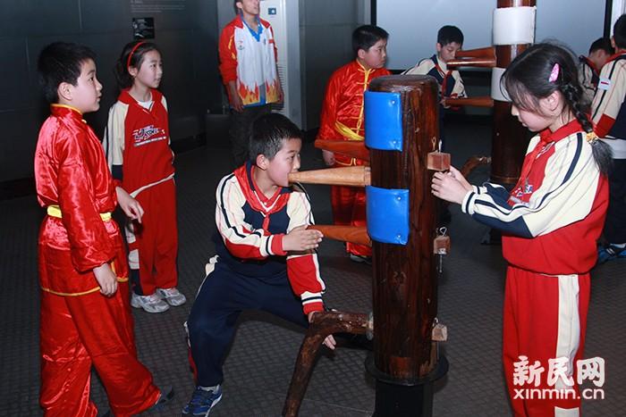 """走进百年历史 联动健康教育 ——杨浦区少年宫""""双体验""""活动为中小学生健康成长护航"""