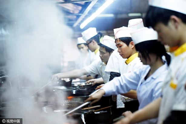 人民日报:餐饮油烟已成城市大气的重要污染源