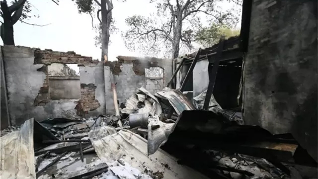 上海松江一气雾剂公司厂房发生火灾 致1死7伤