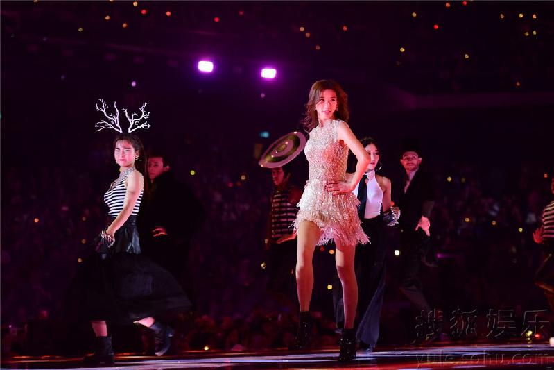 林志玲穿短裙热舞 大长腿好撩人图片
