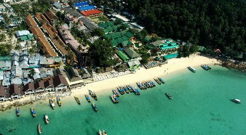 泰国南部甲米府竹岛的海上游船游发生险情 来源:网络