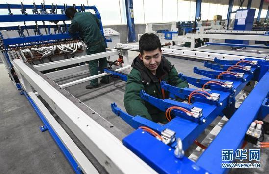 安平:高端丝网机械制造走俏海外