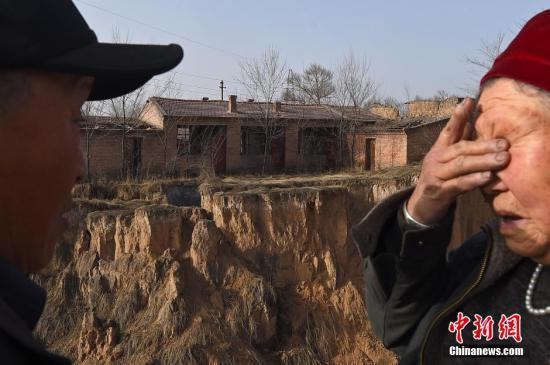住建部:至去年底全国完成农村危房改造2300多万户