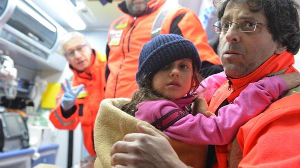 意大利雪崩被埋酒店救援进展:发现8名幸存者