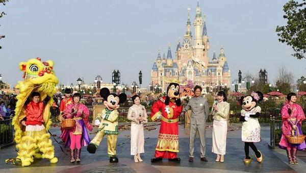 上海迪士尼年初二初三停止现场售票 建议提前购票
