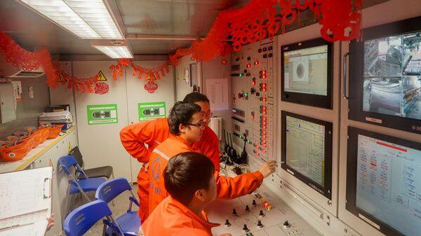 沪上北横通道盾构70多名参建者放弃休假 春节坚守工地